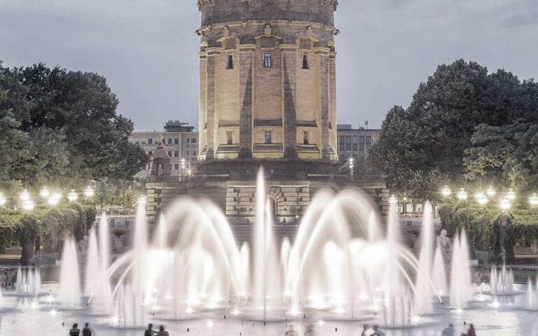 Mannheims Schlosspark bei Dämmerung