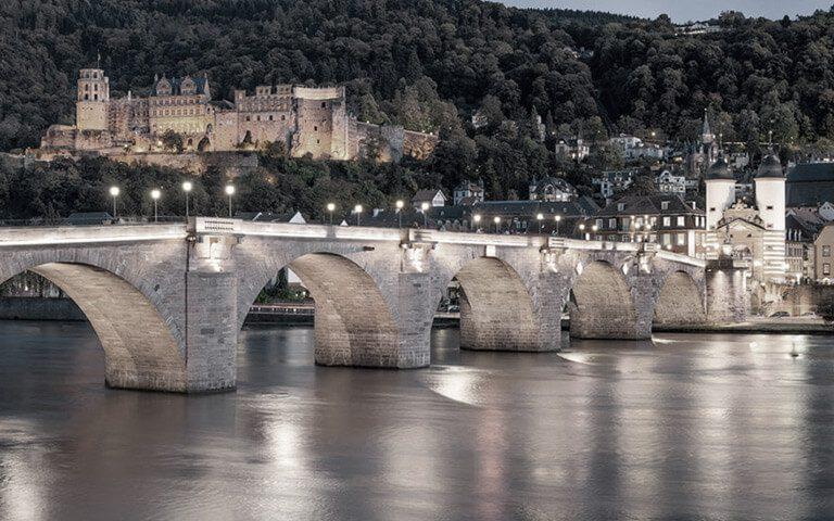 Der Rhein bei Abenddämmerung